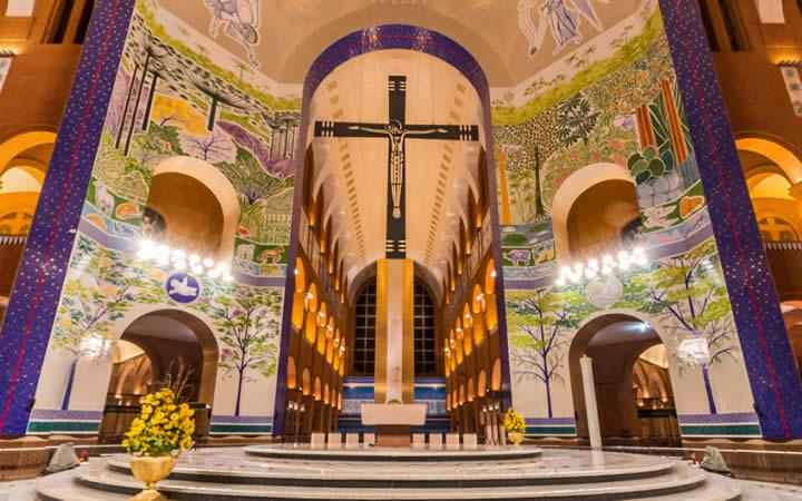 Interior Basílica de Aparecida
