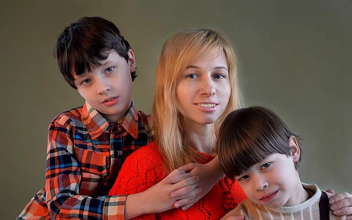 Mãe com filhos - Documentos para viajar de ônibus