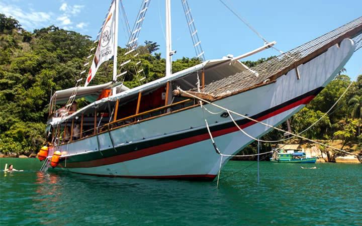 Passeio de barco em Mangaratiba